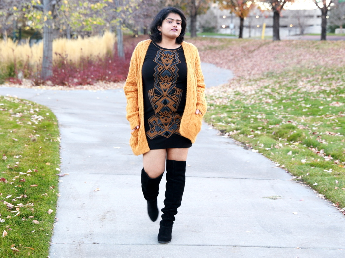 Style tips on how to wear a bodycon dress without a flat stomach. Wear a thicker and darker fabric for slimming effect. Wear it with an oversized chunky knit cardigan and over the knee boots for a fall look.