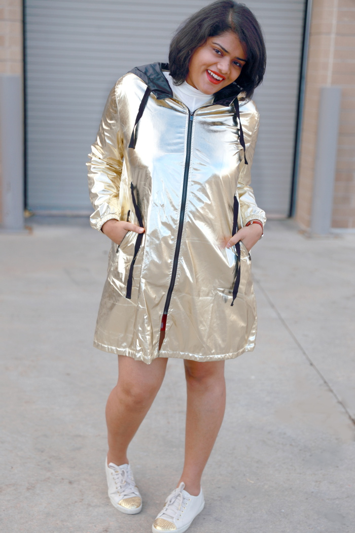 The only metallic parka coat you need this season. It is a great way to incorporate metallic trend this season. It can be easily dressed up or down. For a daytime look wear it with basic tee and sneakers to balance it out.